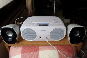 CDラジオとスピーカー